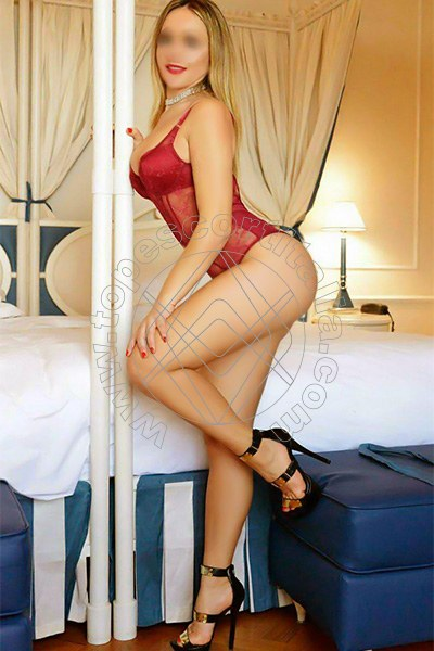 Clarissa Ferre MARINA DI MASSA 3200487196