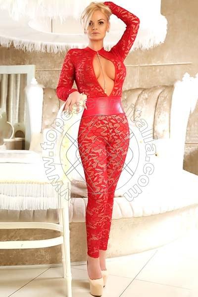 Natasha Hast REGGIO EMILIA 3883992586