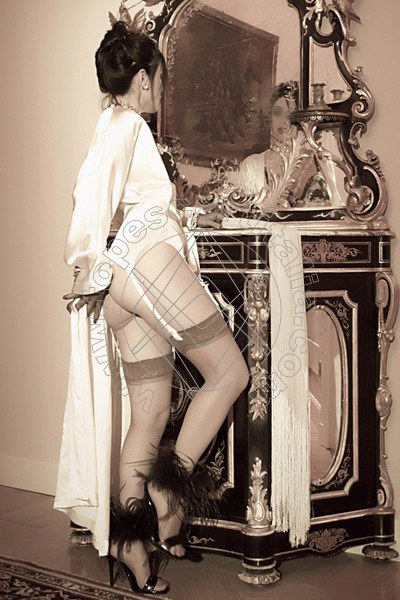 Foto 2075 di Helene Castelli escort Ancona