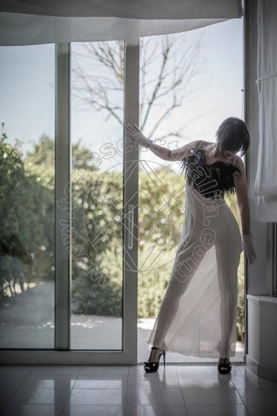 Foto 118 di Helene Castelli escort Ancona