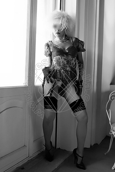 Foto 2159 di Helene Castelli escort Ancona