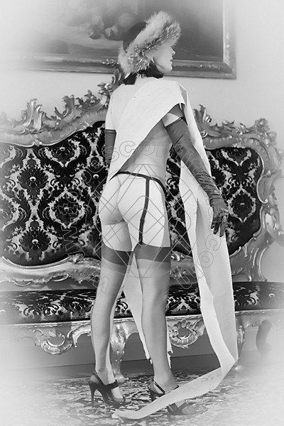 Foto 1882 di Helene Castelli escort Ancona