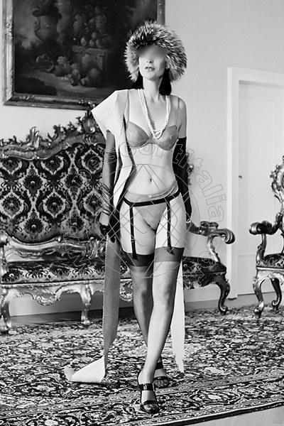 Foto 1880 di Helene Castelli escort Ancona