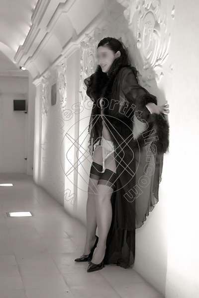 Foto 1683 di Helene Castelli escort Ancona