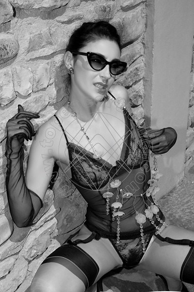 Foto 1610 di Helene Castelli escort Ancona