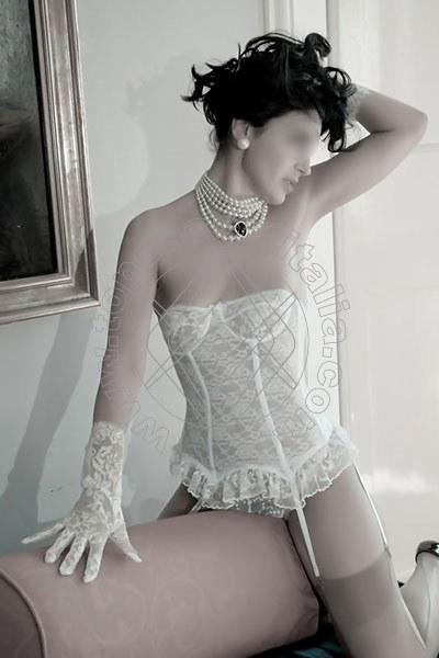 Foto 1459 di Helene Castelli escort Ancona