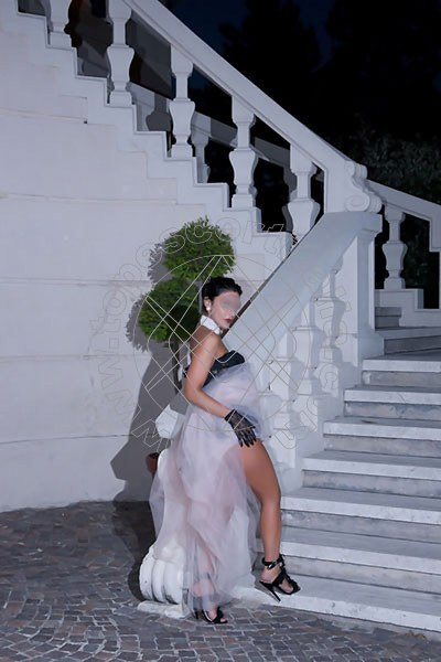 Foto 1432 di Helene Castelli escort Ancona