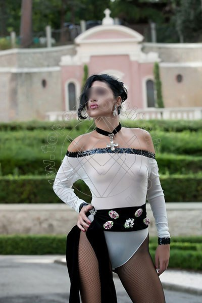 Foto 1272 di Helene Castelli escort Ancona