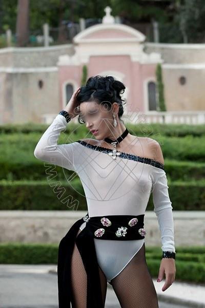 Foto 1274 di Helene Castelli escort Ancona