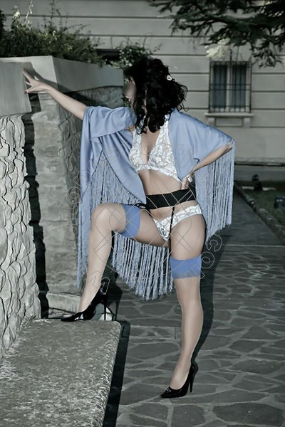 Foto 1323 di Helene Castelli escort Ancona
