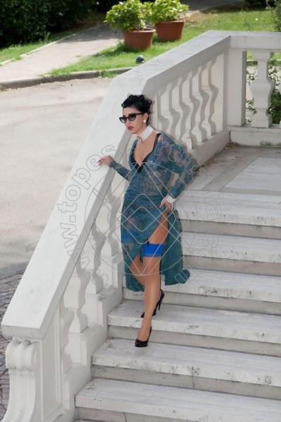 Foto 1179 di Helene Castelli escort Ancona