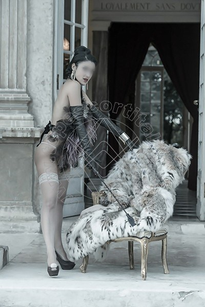 Foto 537 di Helene Castelli escort Ancona