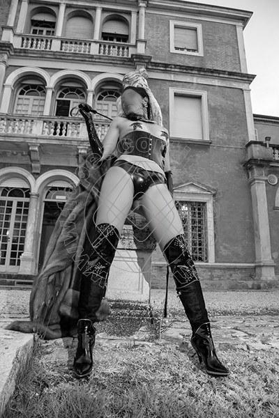 Foto 574 di Helene Castelli escort Ancona