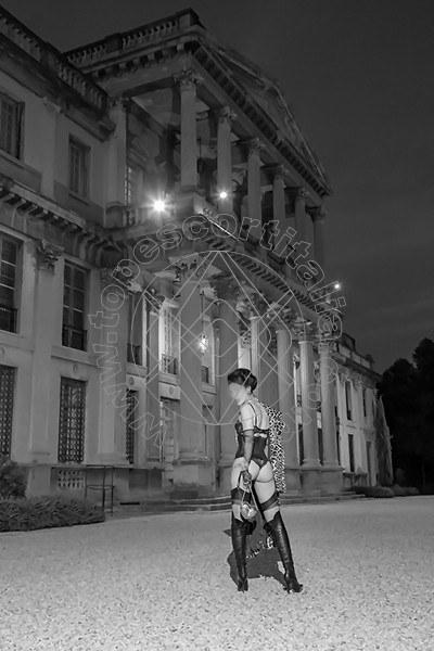 Foto 581 di Helene Castelli escort Ancona