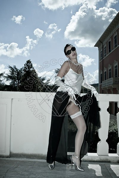 Foto hot 10 di Helene Castelli escort Ancona
